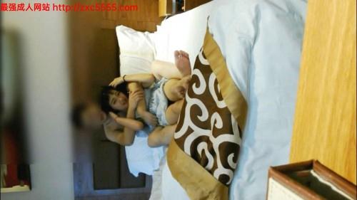 91贵州小旋风1月最新-98年童颜巨乳美女不让操被按倒强行抽插,干完后赶紧穿衣服说:你干啥,我不跑.穿完就跑了!
